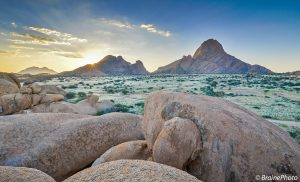 Namibia is a real show-off when it comes to sunsets and sunrises. This spectacular scene was photographed at Spitzkoppe. Our birding, reptile, photography tours and Spitzkoppe desert day excursion include this natural wonder